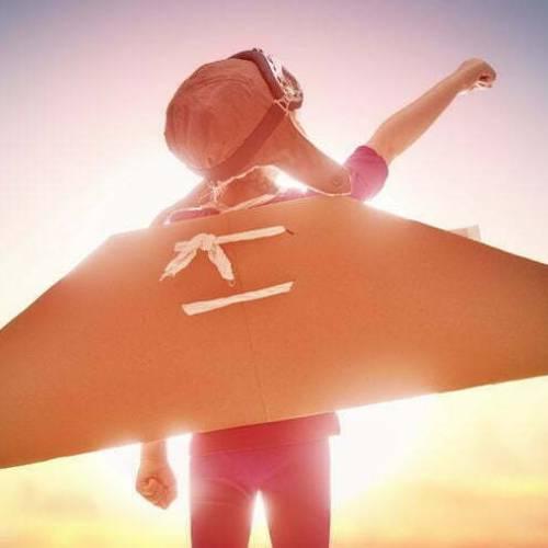 Niño con alas. Taller: Cómo liberarnos y liberar a los niñ@s de nuestra mochila emocional